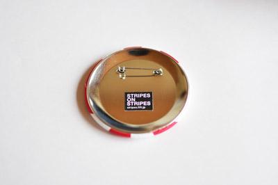 ボーダー愛好家の方におすすめしたいバッジ(缶バッジ) 「STRIPES ON STRIPES」の写真
