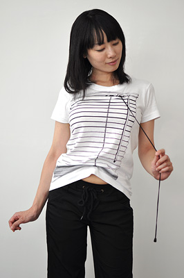 SHIKISAI Alternative T-shirt, venetian blinds, model ladies