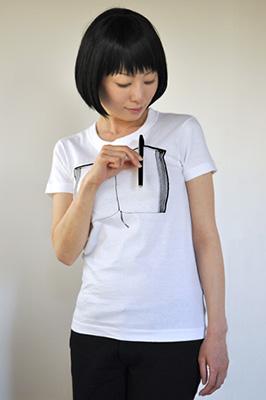 雑貨Tシャツ「ペンとノート」モデル3